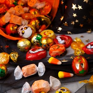 Savvy parents have found many great ways of using or reusing that leftover Halloween candy so it won't go to waste. Use these 10 realistic ideas this year. #halloween #candy #myhomebasedlife Leftover Halloween Candy Ideas | Halloween | What to do with leftover Halloween Candy | Halloween Candy | Recipes using candy