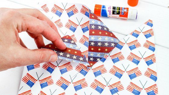 With these Patriotic Pinwheels Craft for kids, your kids can be creative and have fun at the same time. Perfect for the summer holidays. #patriotic #craftforkids #pinwheels   Patriotic Crafts   Easy Crafts For Kids   Summer Crafts   Pinwheels Crafts   DIY for Kids