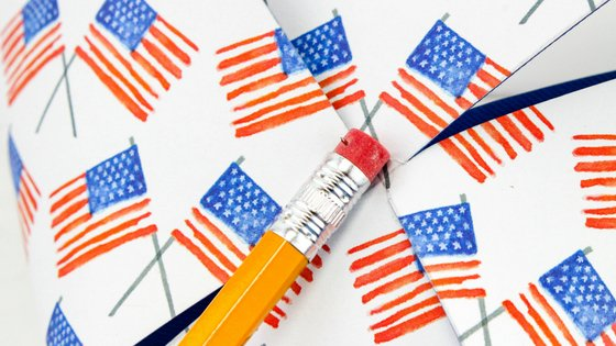 With these Patriotic Pinwheels Craft for kids, your kids can be creative and have fun at the same time. Perfect for the summer holidays. #patriotic #craftforkids #pinwheels | Patriotic Crafts | Easy Crafts For Kids | Summer Crafts | Pinwheels Crafts | DIY for Kids