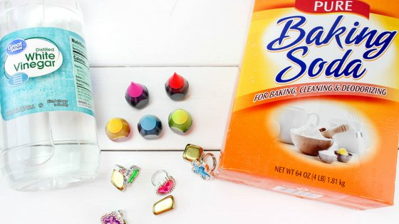 You'll love how inexpensive this activity. Have fun watching the kids dig into their treasure rocks. Small 4 item supply list and you're ready to go!