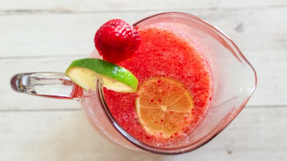 This CopyCat Sonic Strawberry Limeade Recipe is something everyone will love. Perfect drink recipe parties and get-togethers too with just 3 ingredients. #sonic #strawberrylimeade #copycat | Strawberry Recipes | Drink Recipes | Copycat Recipes | Sonic Recipes