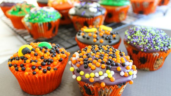 Kick your Halloween recipes into cute gear with these Halloween Cupcakes for kids. Not spooky