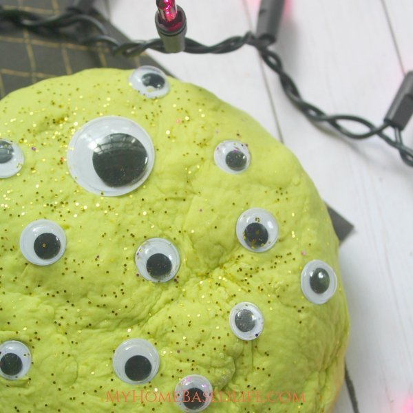 Make this easy Monster Eye Play Doh for kids this year. Easily Customizable with your colors and googly eyes. So much fun for kids of all ages. #sensoryplay #kidsactivity #playdoh #myhomebasedlife #monster   Playdoh   Kids Activities   Simple Kids DIY   Sensory Play Ideas   Halloween Activities for Kids   Non Candy Halloween Treat Ideas