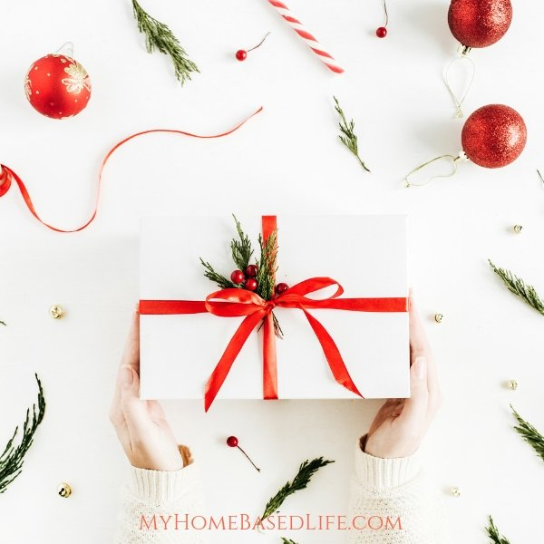 From items they can wear to things they can do on their own or with friends, this tween girlsgift guide has it all. Start shopping today! #tweengirls #giftguide #holidaygiftguide #myhomebasedlife | Holiday Gift Guide | Tween Girls Gift Ideas | Tween Girls Gift Guides |