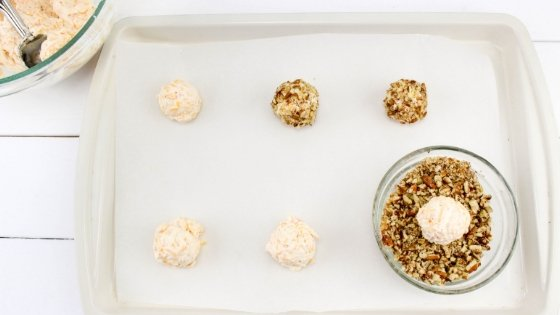 How much fun are these Turkey Cheese Ball Appetizers for the kids? Put a little fun on your Thanksgiving Tablescape this year. #thanksgiving #foodart #thanksgivingappetizers #cheeseball #myhomebasedlife | Thanksgiving Appetizers | Thanksgiving Dinner Recipes | Cheese Ball Recipes | Easy Recipes for Kids | Turkey Shaped Foods