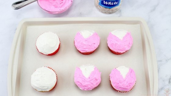 I have the perfect dessert recipe for you to make for your kiddos this Valentine's Day. These Love Bug Cupcakes are super easy and simple. #valentinesday #dessertrecipe #lovebugs #myhomebasedlife | Valentine's Day Desserts | Food Art | Love Bug Recipes | Cupcake Recipes | Chocolate Desserts | Simpler Desserts |