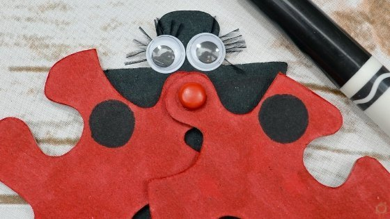 This Ladybug Puzzle Piece Craft is perfect for kids of all ages. Simple to make and so much fun! Follow these step-by-step instructions. #springcrafts #ladybugcraft #myhomebasedlife #puzzlepiececraft #ladybugs | Spring Kids Crafts | Summer Kids Crafts | Simple Crafts for Kids | Ladybug Crafts | Puzzle Piece Crafts