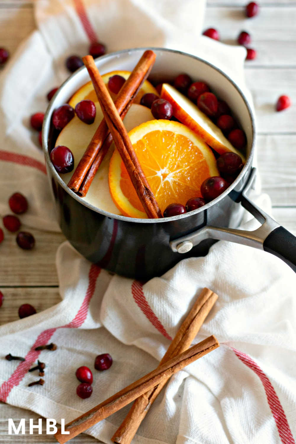 holiday simmering stovetop potpourri