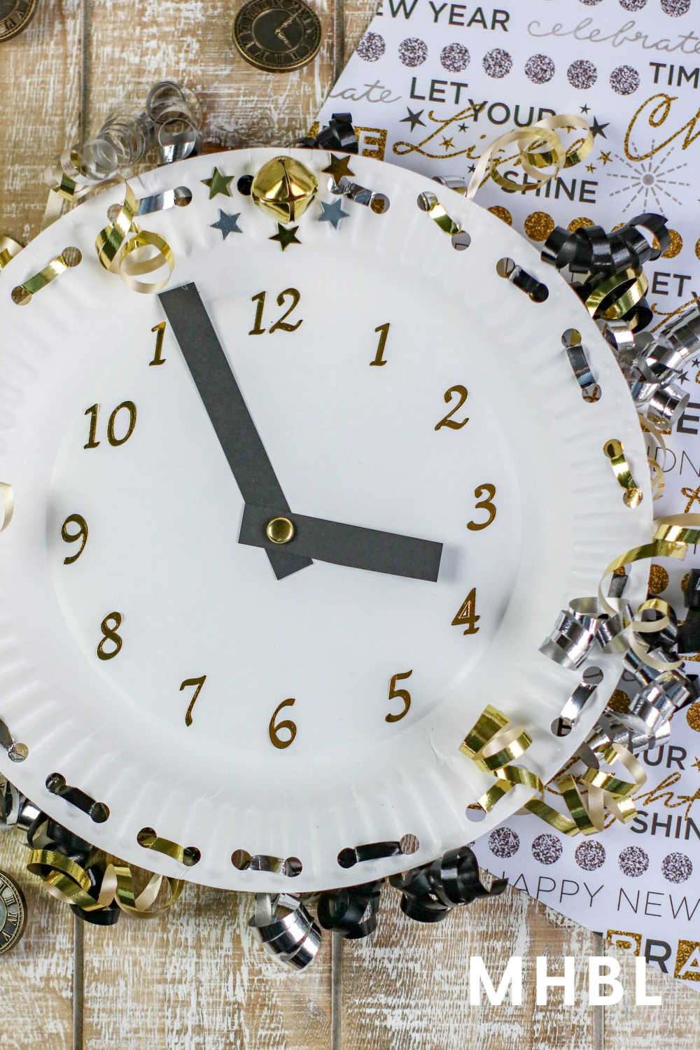 easy New Year's Eve craft for kids how to make a countdown clock