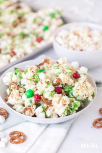 festive and easy Christmas popcorn recipe