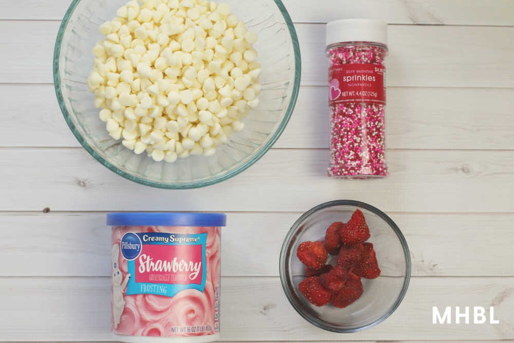 white chocolate strawberry fudge ingredients