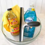 easy homemade window cleaner recipe that works like magic