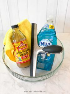 easy homemade window cleaner recipe that works like magic