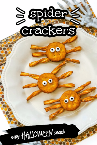 spider crackers easy halloween snacks