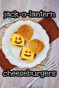 Jack-o-Laterne Burger einfache Mahlzeit Idee für Halloween