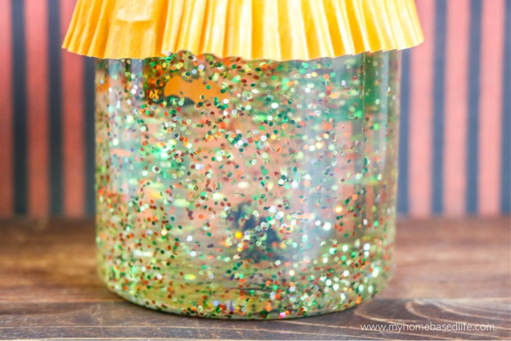 how to make a spooky sensory jar